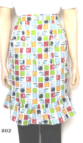 Half apron with ruffle